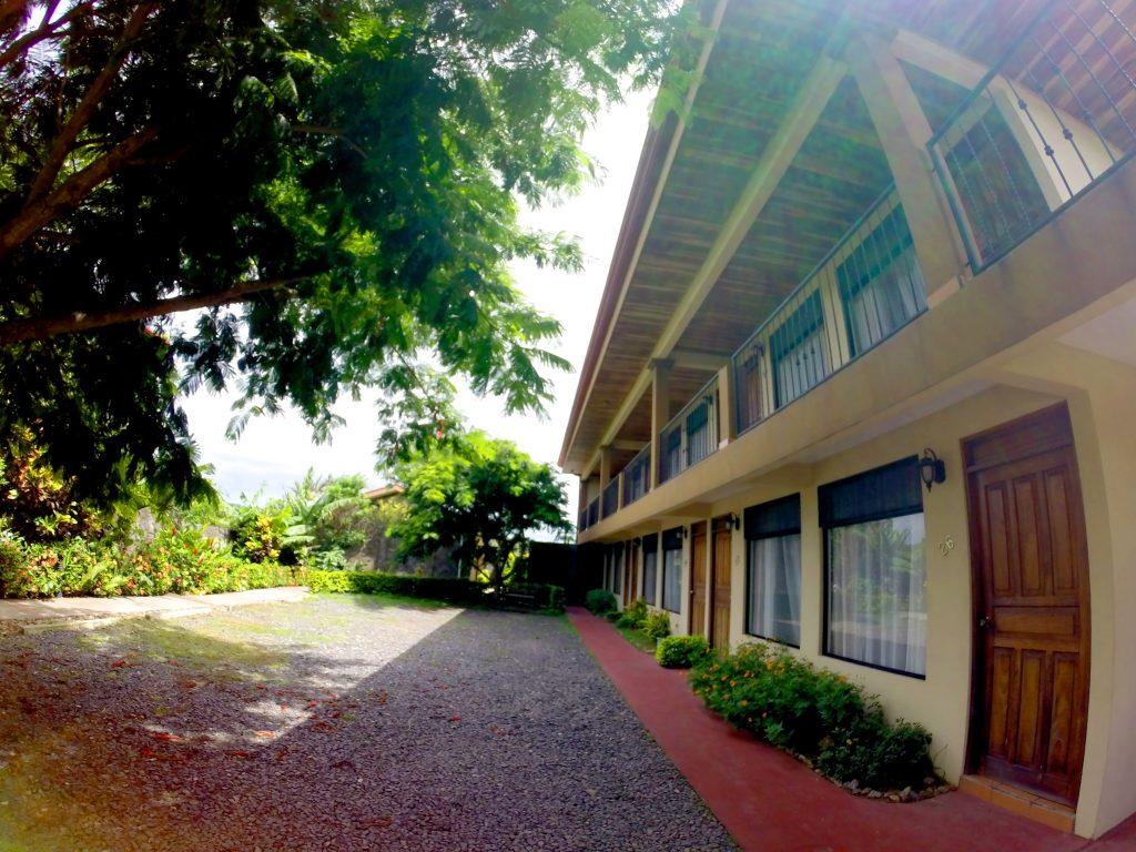 Fachada de las habitaciones del hotel Guadalupe