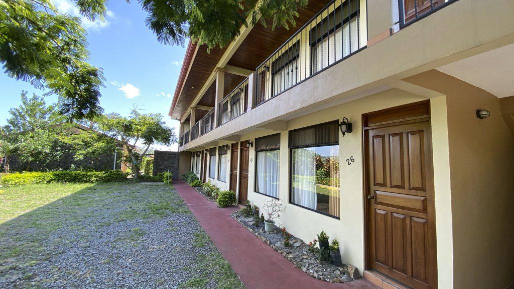 Edificio con habitaciones del Hotel Guadalupe